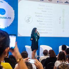Enquanto não a #filmagem seguem mais fotinhos na #slide as #11 R's to #sustainability  Muita #Gratidão #luz #concepts #cpbr10 #palco #criatividade  Foi show! Em breve todo o material nas redes uhhuu #best #campusparty Brasil 2017 O maior processo de #desenvolvimento #social #economico e tecnologico do mundo nas áreas de #inovação #criatividade  O importante mesmo é #comunicar o seu conhecimento para gerar #desenvolvimentosustentavel @campuspartybra #campusparty2017  #dGreenSP #DaniLoren…