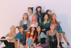 "IZ*ONE is a 12 member Korean Girl Group formed from ""Produce the third season of the Produce 101 reality TV program. Kpop Girl Groups, Korean Girl Groups, Kpop Girls, Nct, Jaehyun, Bts Jungkook, Yuri, Secret Song, Lisa"