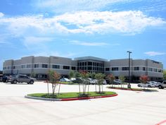 PCL Industrial Construction will double the size of its local office when it relocates to a new building in the Grandway West office park next year. The company, which provides industrial services to the power, oil and gas, petrochemical, and mining industries, has leased 36,596 square feet 2322 West Grand Parkway in Katy. Eugene Terry and David Bale of JLL represented the tenant. Parker Burkett of Transwestern represented the landlord, InSite Realty.