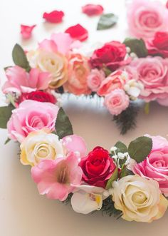 DIY Valentine Wreath for Valentine´s Day decorations!