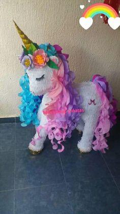 Piñatas unicornio Birthday Pinata, Unicorn Themed Birthday Party, Baby Girl 1st Birthday, Unicorn Birthday Parties, Birthday Party Decorations, Unicorn Pinata, Unicorn Party, Creations, Diy