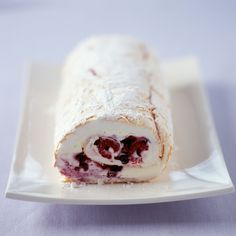 Christmas formal dinner or party dessert. A simple White chocolate meringue roulade recipe for you to cook a great meal for family or friends. Buy the ingredients for our White chocolate meringue roulade recipe from Tesco today. Great Desserts, Köstliche Desserts, Dessert Recipes, Plated Desserts, Frosting Recipes, Cupcake Recipes, Pavlova, Food Cakes, Cupcake Cakes