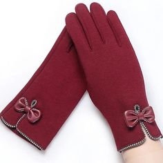 Women Touch Screen Glove Winter Lace Warm Cashmere Bow Full Finger Mittens Wrist Guantes Color black Gloves Size One Size - women gloves fashion Lace Gloves, Knitted Gloves, Women's Gloves, Gants Vintage, Warmest Winter Gloves, Gloves Fashion, Hand Accessories, Elegant Woman, Winter Outfits