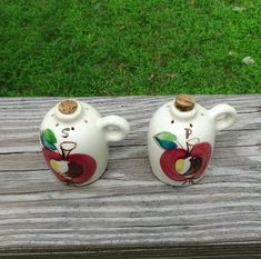 1940s - 1950s Vintage Hand Painted Purinton Salt & Pepper Set in Shape of Crock Jug with Corks, Open Apple Design, Good Condition, Unmarked by VictorianWardrobe on Etsy