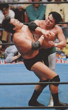 Mitsuharu Misawa elbows Jumbo Tsuruta