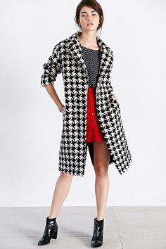 Glamorous Houndstooth Coat - Urban Outfitters
