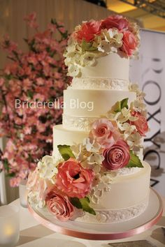 cheap wedding cakes toronto 1000 images about wedding cake floral cascade on 12545