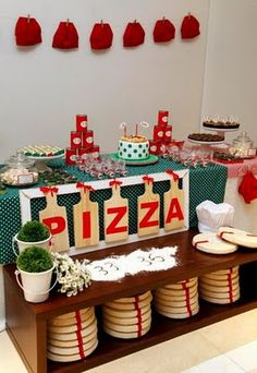 Ridiculously cute pizza party