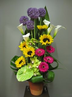 Sympathy flowers for the home and office. Flowers for the funeral service. Church Flowers, Funeral Flowers, Fall Flowers, Large Flowers, Fresh Flowers, Beautiful Flowers, Beautiful Flower Arrangements, Floral Arrangements, Flower Show