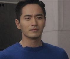 In episode 14 of Goodbye Mr. Black, we noticed a couple fashion trend between Cha Ji Won (played by Lee Jin Wook) and Kim Swan (played by Moon Chae Won). Both wore distressed clothes. For those who…