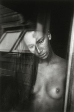 """RENEE JACOBS SIGNED MODEL IN WINDOW 6""""X9"""" PHOTOGRAPH - SALE PRICED!"""