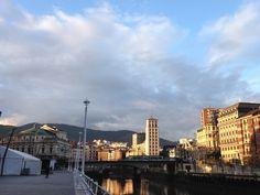 Precioso amanecer en #Bilbao #Dosmedia