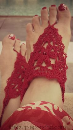 Barefoot Sandals - A Free Crochet Pattern / The Purple Poncho