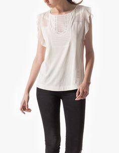 Camiseta detalles puntilla