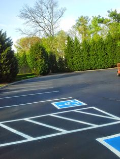 Parking Lot Striping in Farragut TN Handicap Parking Pavement Sealcoating 865-680-9225 Knoxville TN Asphalt Repair Paving