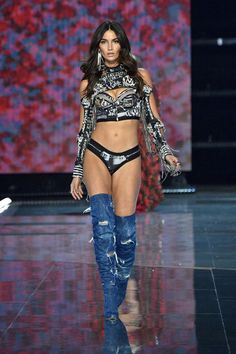 8f9226bb7ea30 The 2017 Victoria's Secret Fashion Show was full of show-stopping  outfits—see our