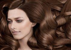 Hajkorona kezelés: hajmosás gyümölcsös tejproteines samponnal, hajkondicionálás gyümölcsös tejproteines balzsammal, hajvágás és frizurakészítés