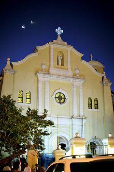 Santuario de San Antonio, Forbes Park, Makati at night
