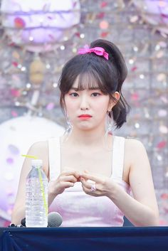 Times Red Velvet's Irene Styled Her Hair In A Ponytail And Transformed Into A Gorgeous Doll Wendy Red Velvet, Red Velvet Joy, Red Velvet Seulgi, Red Velvet Irene, Sooyoung, Yoona, Kpop Girl Groups, Kpop Girls, Bad Boy