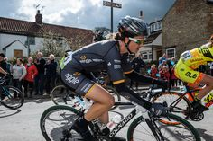 Audrey Cordon-Ragot Blog: Be a captain, être capitaine. | Wiggle High5 Pro Cycling