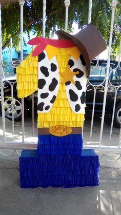 Piñata Woody Birthday, Toy Story Birthday, 1st Boy Birthday, Birthday Diy, Boy Birthday Parties, Birthday Ideas, Toy Story Theme, Toy Story Party, Woody Party