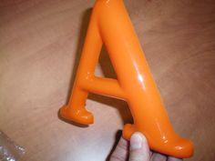 vacuum gevormde plastic letter Plastic Letters, Workshop, Sign, Lettering, Lighting, Atelier, Work Shop Garage, Signs, Drawing Letters
