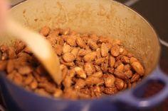 Brente mandler | Matlidenskap.com Dog Food Recipes, Almond, Snacks, Breakfast, Morning Coffee, Appetizers, Dog Recipes, Almond Joy, Almonds