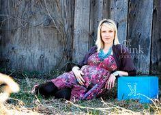 Casual Baby Bump by: Sarahwheelerblinkphotography.wordpress.com