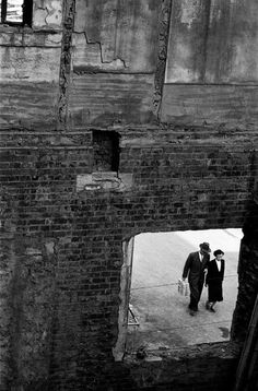 Youngsoo Han - Ruined Window, Seoul, 1956. °