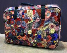 Get Inspiration: Inspiration för fri virkning Freeform Crochet, Knit Crochet, Crochet Purses, Crochet Bags, Gift Bows, Yarn Bombing, Knitted Bags, How To Make Bows, Shopping