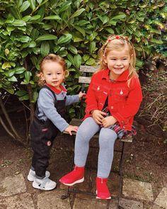 These two! 🖤❤️ #sundayfunday #matchingoutfits #thelittlehoutmans