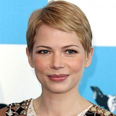 Michelle Williams at the 2007 Independent Spirit Awards #ShortHair #MichelleWilliams