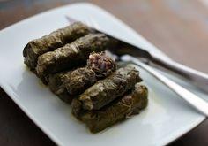 Para aqueles que adoram uma comida árabe: receita de charuto de folha de uva.
