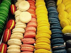 If you're looking to taste the best macarons in NYC, here is where you will find the top destinations for these sugary delights. Macarons, Spring Treats, Korean Dessert, Sweet Tarts, Spirulina, Sweet Bread, Korean Food, Hot Dog Buns, Street Food