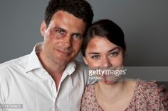 Stock-Foto : A bruised and beaten couple smiling cheerfully at the camera