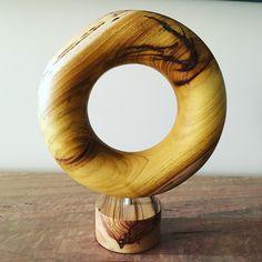 #woodturning #woodturners_worldwide #woodturnedbowl #woodcraft #woodwork #woodworkingram #donut #torus #homedecor #mulberry Wooden Bowls, Woodturning, Woodwork, Spin, Wood Crafts, Instagram, Home Decor, Woodworking, Wood Turning