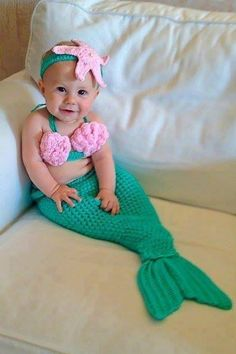 Cute crochet baby mermaid outfit