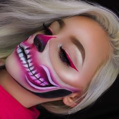 Looking for for ideas for your Halloween make-up? Browse around this site for creepy Halloween makeup looks. Creepy Halloween Makeup, Amazing Halloween Makeup, Halloween Makeup Looks, Halloween Ideas, Pretty Skeleton Makeup, Creepy Clown, Halloween Costumes, Makeup Clown, Skull Makeup