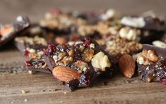 Chocolat aux fruits secs Fruit Sec, Granola, Nutrition, Cereal, Chocolate, Passion, Breakfast, Sweet Cookies, Almonds