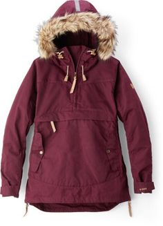 c1fce2d657 The women s Fjallraven Iceland Anorak offers breathability and manages  moisture in cold conditions so you stay warm and ...