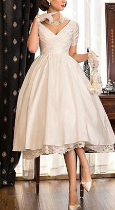 Cheap wedding dress, Buy Quality short wedding dress directly from China wedding gowns Suppliers: 2016 New V neck Short Sleeve Zipper Ivory Taffeat Wedding Gown vestido de noiva Cheap Custom Tea Length Short Wedding Dresses Cheap Wedding Dresses Online, 2015 Wedding Dresses, Wedding Dresses Plus Size, Plus Size Wedding, Trendy Wedding, Wedding Gowns, Wedding Ideas, Reception Dresses, Elegant Wedding