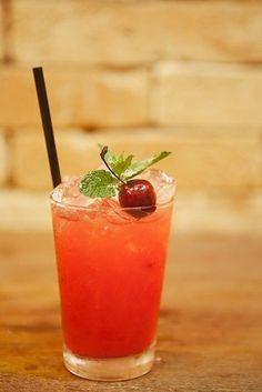 Aprenda a preparar o drinque Merry Christmas para as festas - Fotos - UOL Comidas e Bebidas