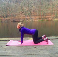 FOTOTRÉNING: Ako sa zbaviť bolesti chrbta? 5 jednoduchých a účinných cvikov! - Fitshaker Detox, Capri Pants, Fitness, Sports, Bolesti Chrbta, Ali, Healthy, Capri Pants Outfits, Gymnastics
