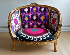 When classic furniture is clad in a magic energy, reupholstered with a protective force, and is imbued with the spirt of talismans of ancient civilizations,its design assumes a rare and precious aspec