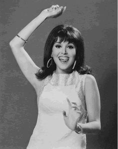 """Welcome to the 60's....WATCHED """"THAT GIRL"""" ALL THE TIME AND WE ALL WANTED TO BE HER AS WELL. SO CUTE AND SO ALIVE, J.POPPEN"""