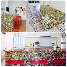 DECOtip del día!  Cuando eramos niños jugábamos a ser arquitectos, construíamos de todo con piezas de Lego... Ahora de grandes lo podemos hacer! Lego furniture en nuestra casa. Sueñalo, imagínalo, diseñalo ¡Es muy fácil!  #furniture #lego #decoración #hogar #diseño