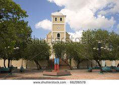 Plaza de la Revolucion, Lares