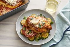 Baked Chicken and Zucchini Grilling Thick Pork Chops, Easy Chicken Dinner Recipes, Cooking Recipes, Healthy Recipes, Baked Chicken Breast, Fresh Basil, Light Recipes, Vegetable Dishes, Food Dishes