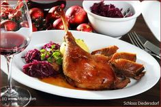 Traditionelles Martinsgans-Essen: Traditional winter holiday specialty  of roast goose, sweet red cabbage (w or w/o apples),  potato dumplings and a rich side gravy