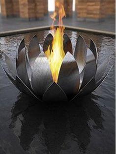 Los múltiples diseños y modelos de chimeneas que podemos encontrar es increíble. Y dentro de las novedades en chimeneas que he visto este último tiempo, existen unas que en particular poseen una magnifica estética y cuya creadora es Anne Colombo. Las esculturales chimeneas de las que hablo, denominadas 'Colombo Fire Sculptures', permiten llenar de calidez …